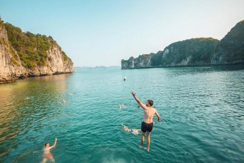 Tour Hạ Long - Cát Bà 3 ngày 2 đêm (1 đêm tàu + 1 đêm khách sạn)
