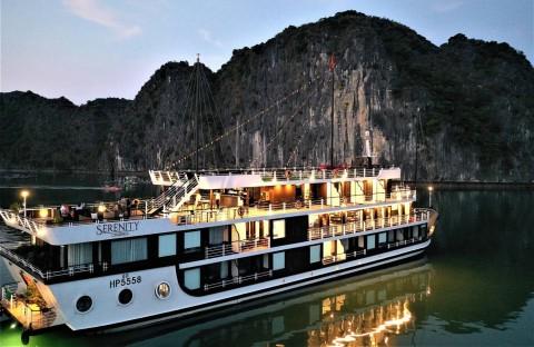 Tour Du Thuyền Serenity